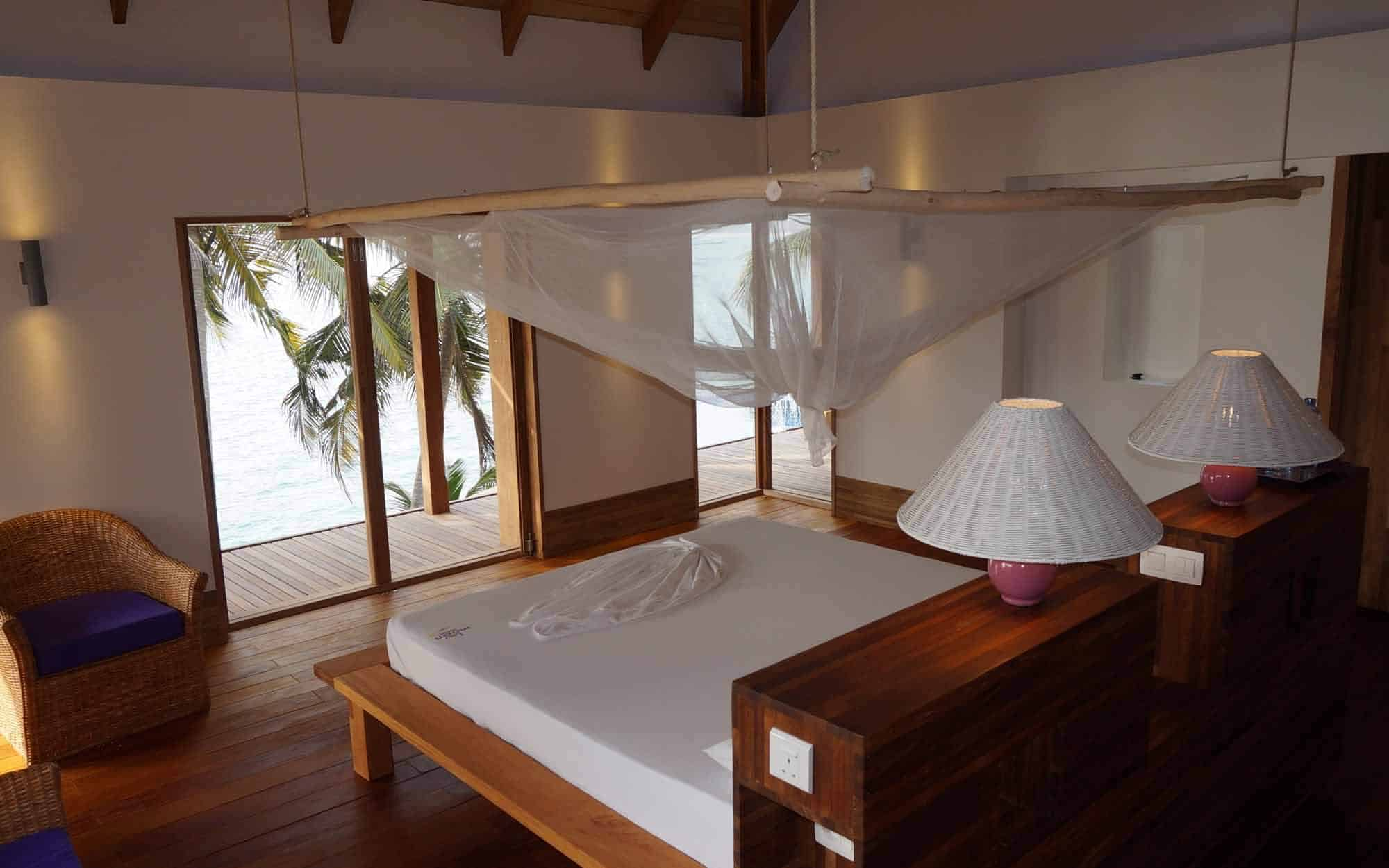 lou moon beach resort rooms