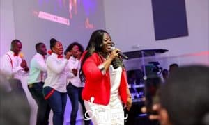 Herty Corgie performing at the 'Overflow Concert'